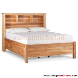 Tempat Tidur Jati